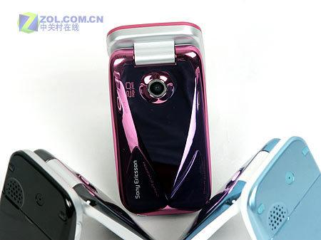 图为索尼爱立信公司的3G翻盖手机Z610i-镜面三姐妹 索爱3G翻盖手机